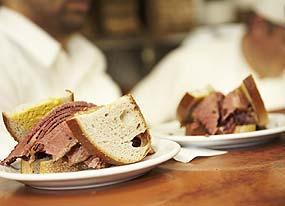 Schwartz smoked beef sandwich (c) Andy Mossack