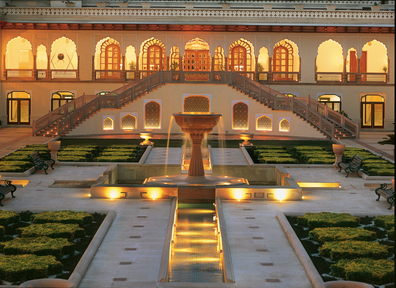 Low_H4EJ0_27652519_005 The Palace Courtyard (Chandani Chowk)
