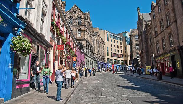 Edinburgh victoria-street-grassmarket