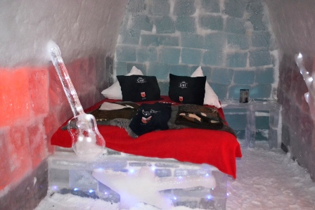 Ice Hotel Room (c) Andy Mossack