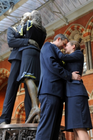 Eurostar dresses the kissing couple statue at St Pancras with its new uniforms