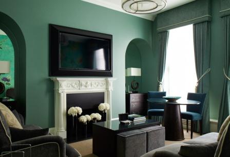 704-sitting-room