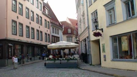 Tallinn Cafe (c) Andy Mossack
