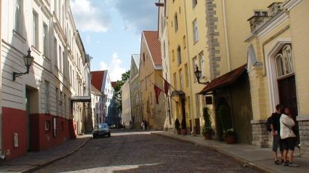 Tallinn street (c) Andy Mossack