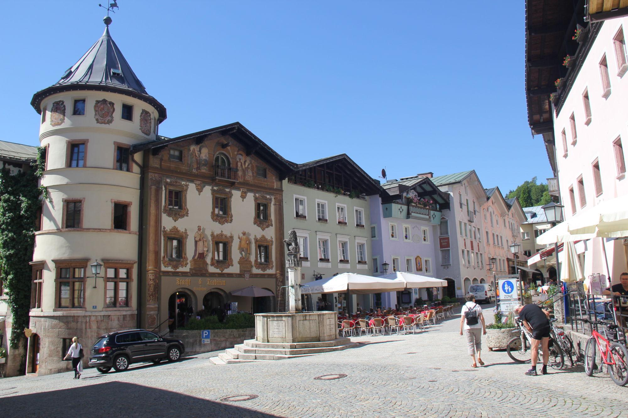 Bavaria 318