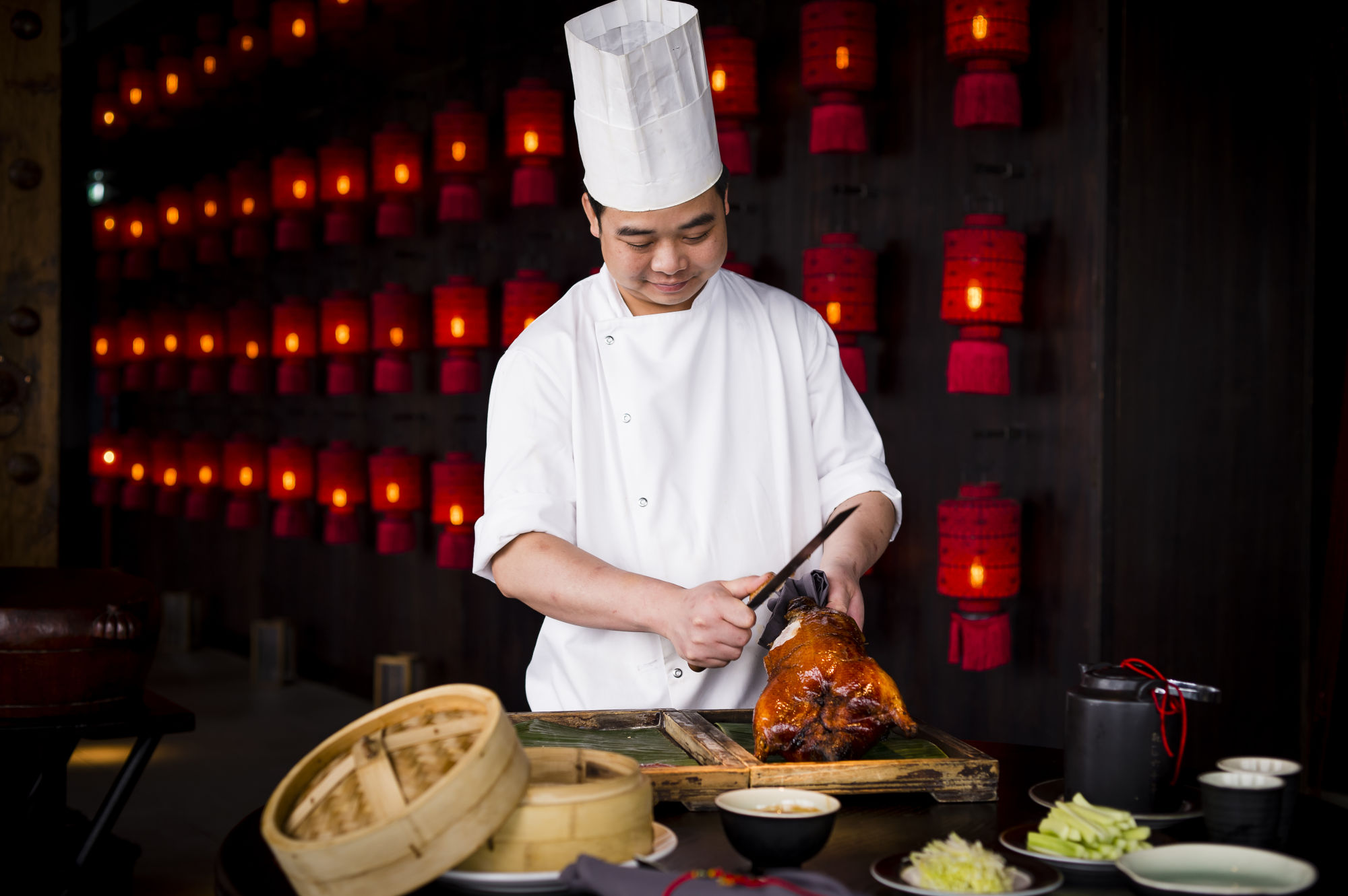 HT24F Peking Duck with chef