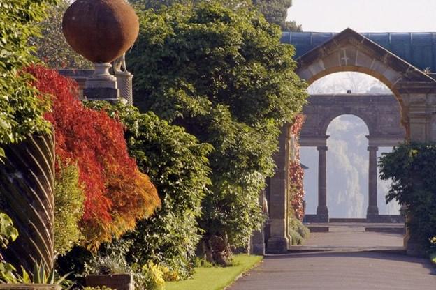 Hever Castle autumn 2 624x416