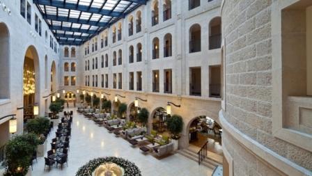 WA lobby01 3 745x420 FitToBoxSmallDimension Center 1