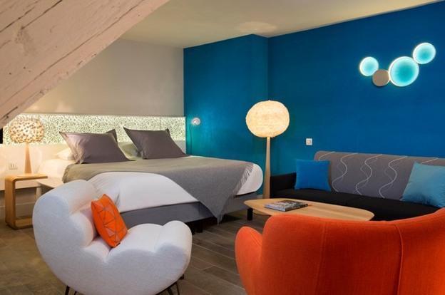 Hotel Chavanel room shot