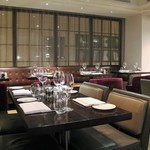 Hunter 486 Restaurant