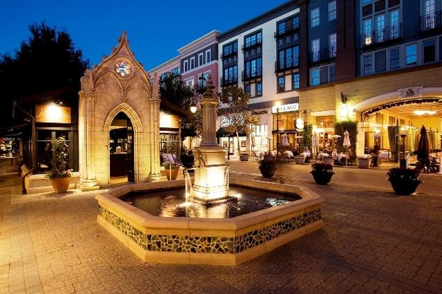 San Jose Santana Row at night