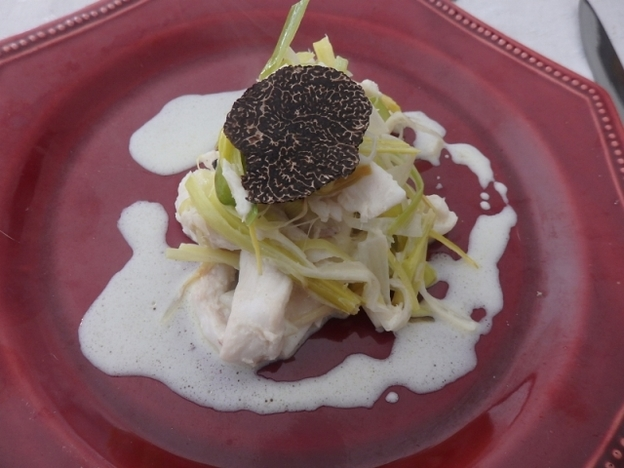 Skate with leeks and truffle