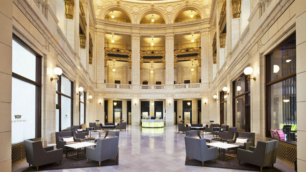 AL Detroit Lobby