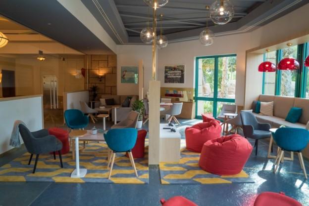 V Hub Interior 2