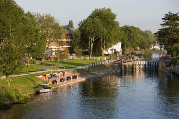 the runnymede on thames exterior