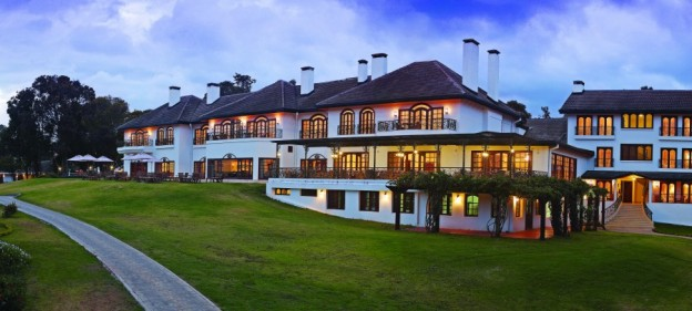 Fairmont Mount Kenya Safari Club Exterior