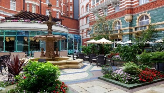 taj SJC courtyard 03 57510859 l2753