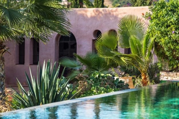 Jardin des Douars pool