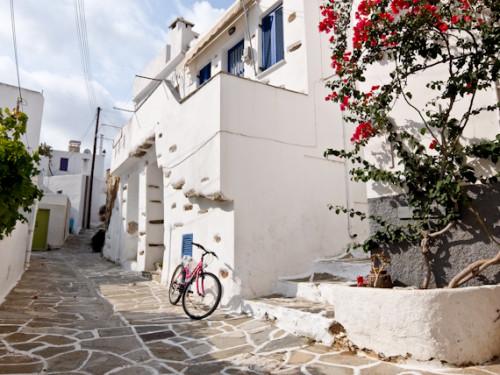 Back street Lefkes Paros e1602758860770