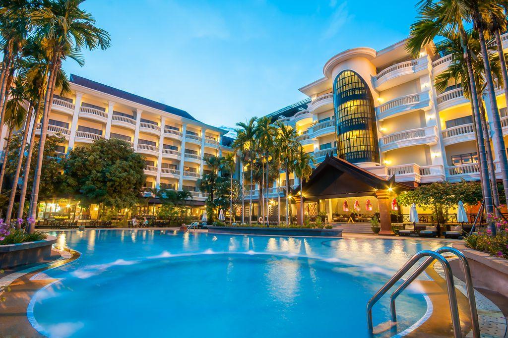hotel swimming pool in siem reap