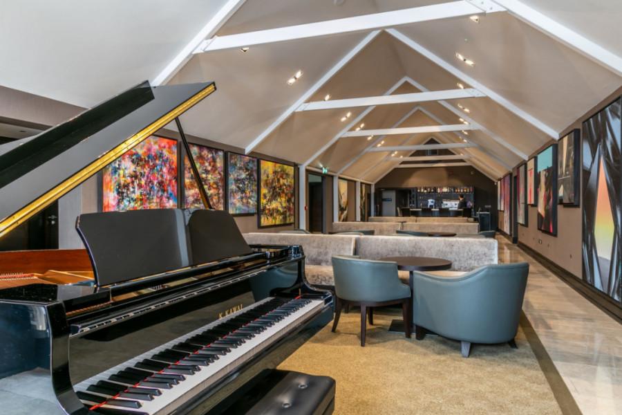Baby Grand Piano Oriel Lounge Twr y Felin Hotel 4