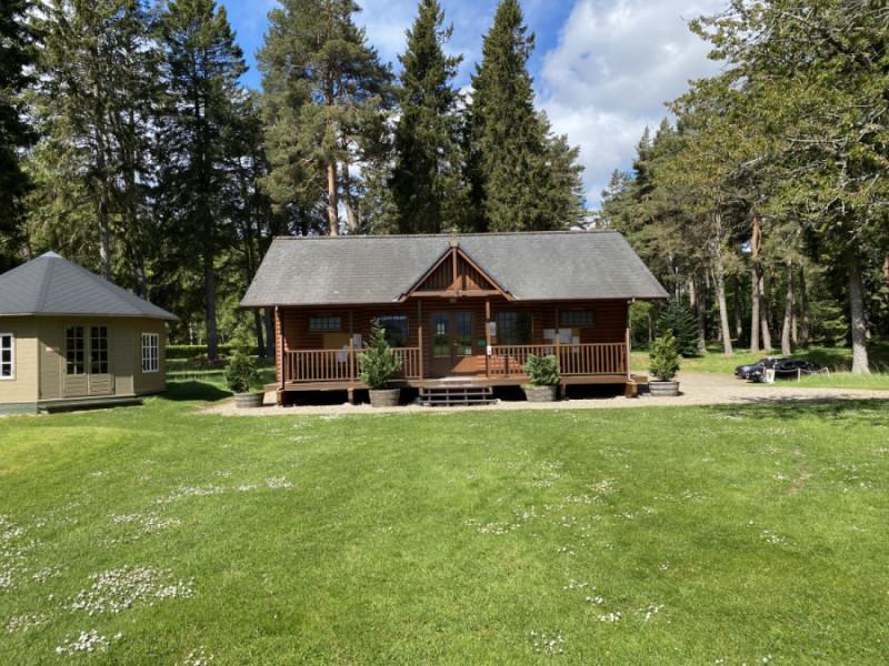 Balmoral Club Hut