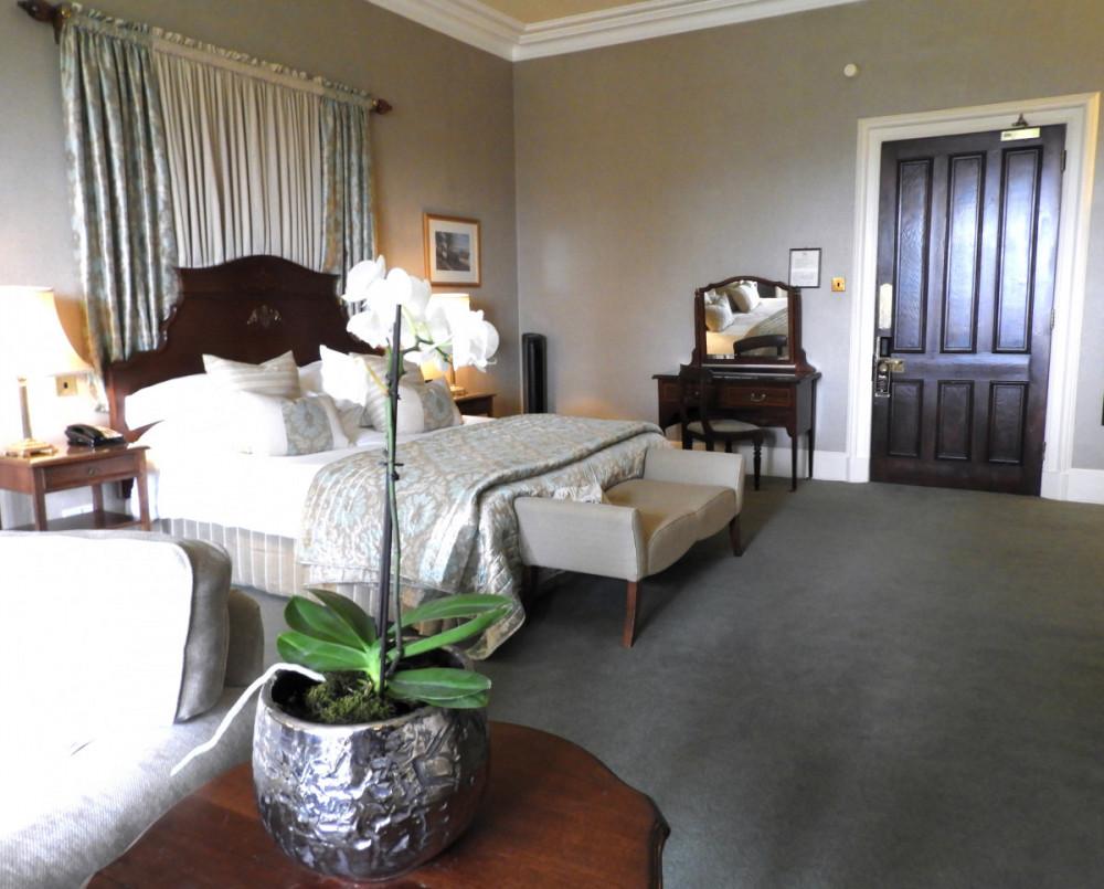 Asdown Park Hotel bedroom