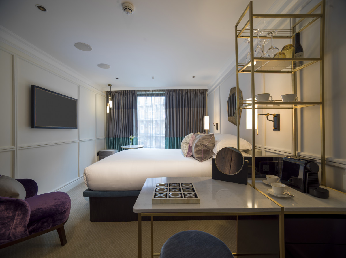The Guardsman Deluxe Room