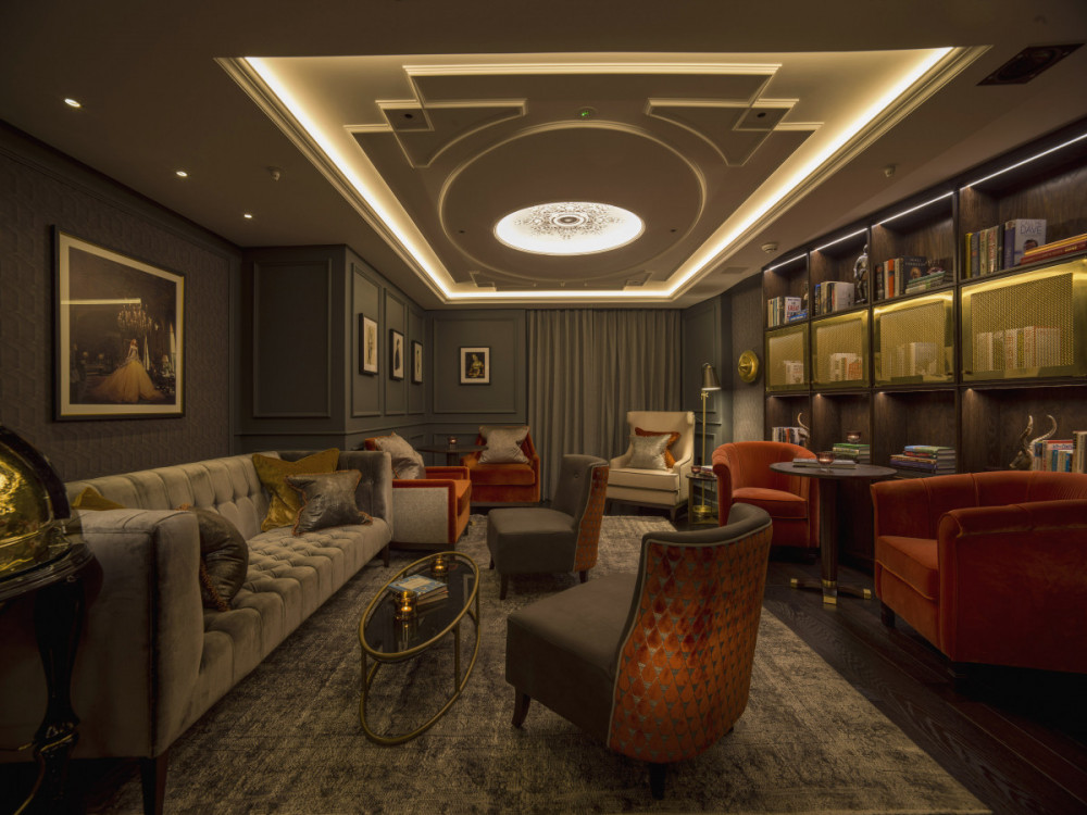 The Library at The Guardsman Hotel